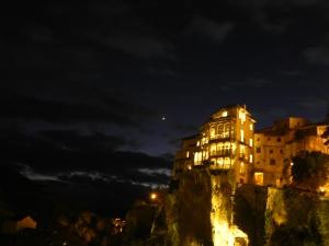 Cuenca, ses maisons suspendues entre rivière et montagnes